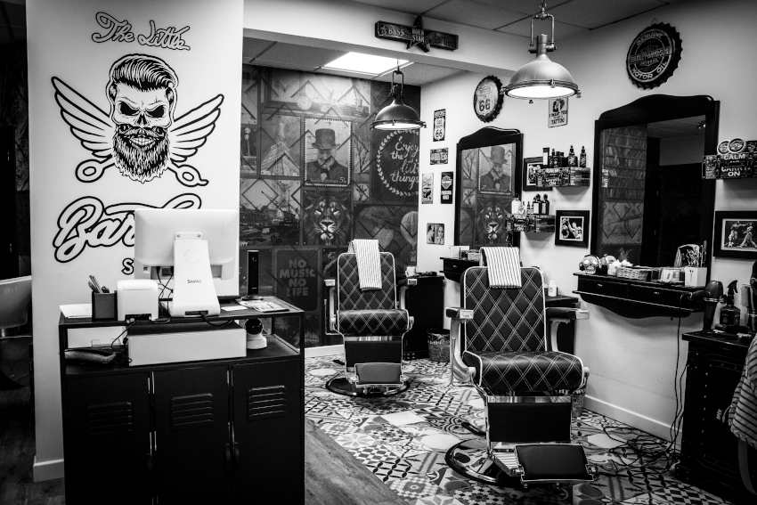 Vista interior de The Little Barber Shop Castro Urdiales
